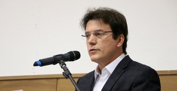Governador decreta Estado de Emergência para casos de microcefalia