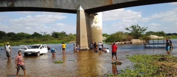 Comitê de Bacias solicita fiscalização e proibição de banho nas águas do Rio Piranhas