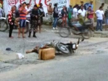O homem ficou com o corpo bastante queimado.