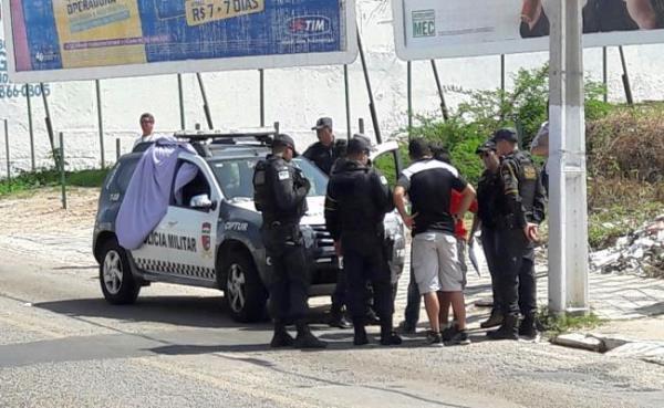 Oficial da reserva da PM do DF é baleado em Ponta Negra e morre