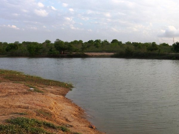Garoto de 14 anos morre afogado ao brincar em açude de Campina Grande