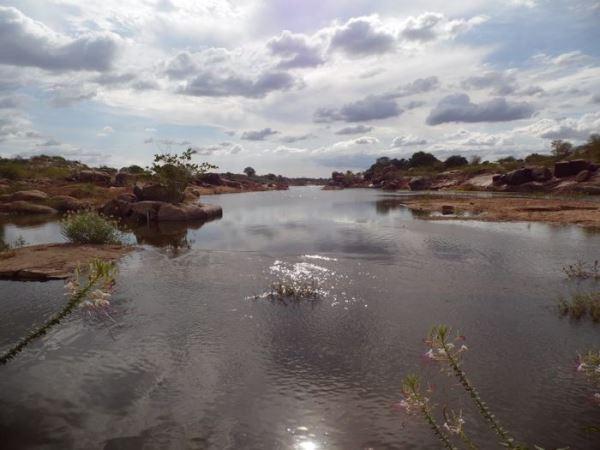 Jucurutu: Passagem molhada de Barra de Santana está recebendo bom volume de água