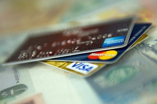 Cartão de crédito tem maior taxa de juros desde 1995