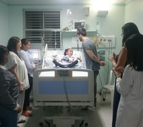 Luan Santana visitou a pequena Natanyelle em hospital de João Pessoa.