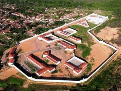 Agentes penitenciários e PMs impedem fuga em Alcaçuz, RN