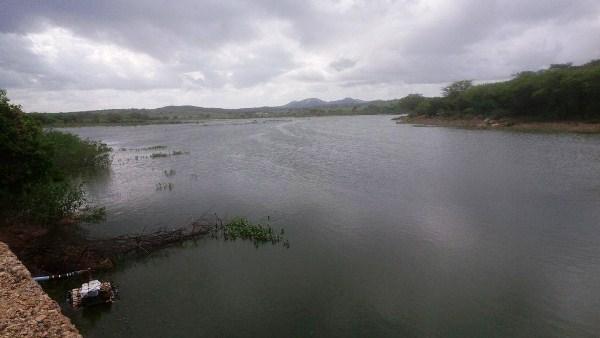 No Cariri paraibano, barragem que estava seca há vários anos está prestes a transbordar