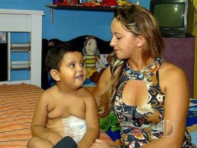 Criança de 6 anos tem doador de rim, mas sem UTI não consegue cirurgia