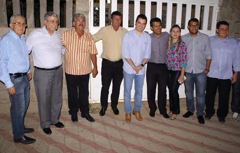Em Parelhas, Garibaldi e Walter reafirmam apoio a Luciano Santos como candidato do PMDB em Lagoa Nova