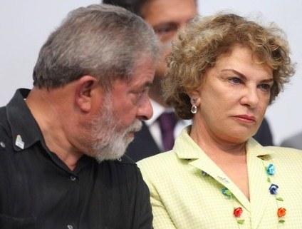 Lula e Marisa são intimados para depor como investigados em caso de tríplex