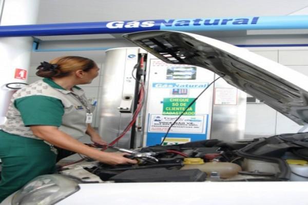 Com alto preço da gasolina, gás natural pode ser alternativa na hora de abastecer