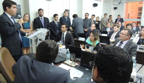 Conselho da OAB/RN aprova Ato de Desagravo ao advogado Hugo Oliveira