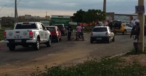 Operação Verão: CPRE aborda mais de 130 veículos em Caicó e condutores fazem testes de alcoolemia