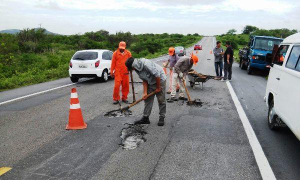 DNIT inicia trabalho de recuperação do trecho da BR-226 entre Tangará e Santa Cruz