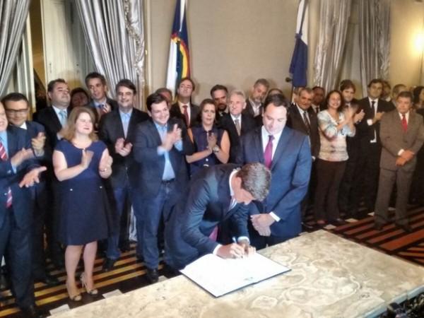 Filho de Eduardo Campos toma posse como chefe de Gabinete de PE