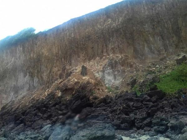 Falésias também são bastante visitadas por turistas (Foto: Anderson Barbosa/G1)