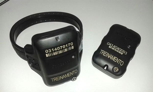 Contrato firmado entre a fabricante e a Sejuc prevê a utilização de 500 tornozeleiras por presos do RN; dispositivo possui GPS para determinar a localização por satélite e um modem para transmissão de dados por sinal de celular (Foto: Divulgação/Sejuc)