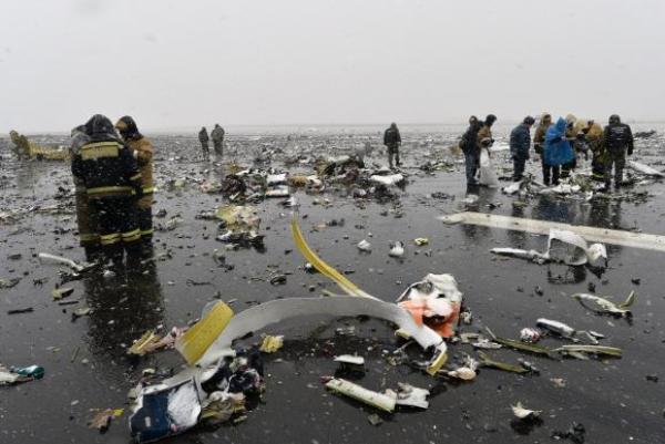 Avião cai na Rússia durante pouso e mata 62 pessoas