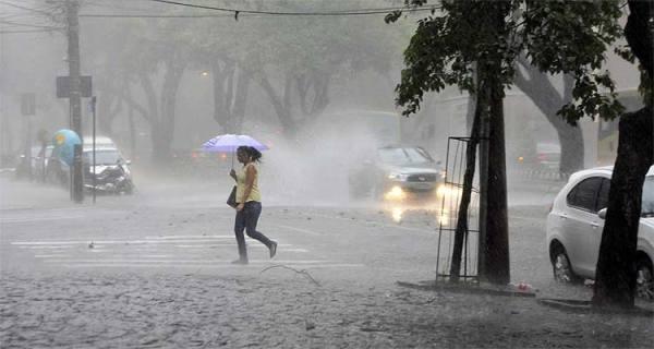 Chuvas continuaram banhando o Seridó nesta quarta-feira (23)
