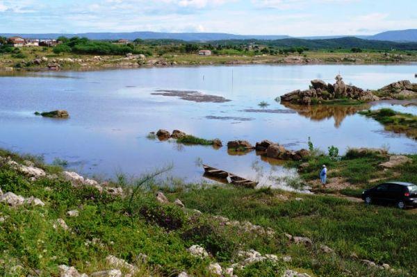 CURRAIS NOVOS: Chuvas aumentam nível do Açude Dourado em mais de 5 metros