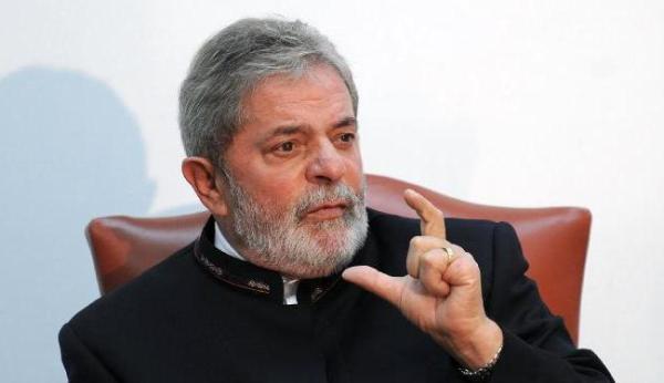 PF apreendeu em apartamento de Lula documentos de sítio em Atibaia
