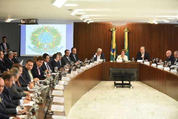 Robinson participa de reunião com Dilma e pede operação de crédito para o RN