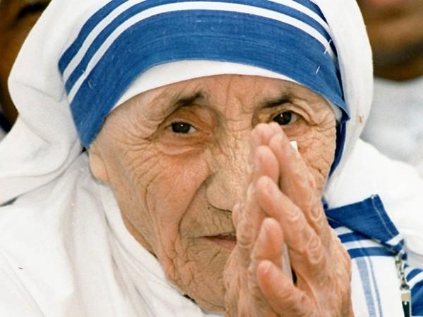 Papa anuncia data da canonização de Madre Teresa de Calcutá