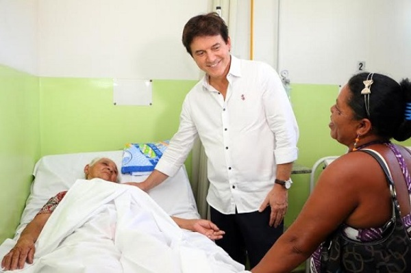 Governador Robinson entrega reforma do Hospital Regional de Santo Antônio