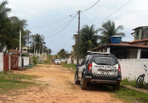 Homem é assassinado a marretadas em casa de praia no litoral Sul do RN