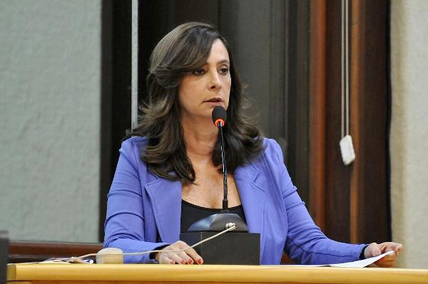 Márcia pede derrubada de veto em projeto para mulheres vítimas de violência