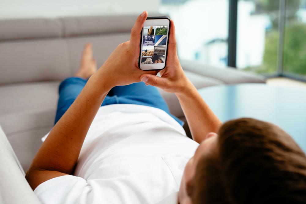 IBGE: acesso à web é maior por celulares