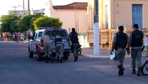 Governador da PB reduz cota de combustíveis de viaturas policiais de todo estado