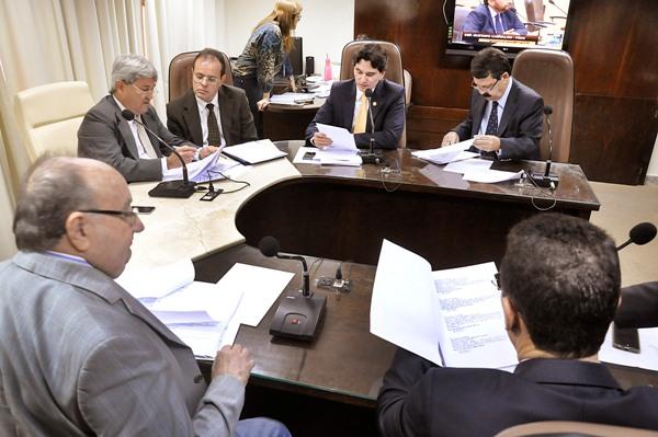 Com emenda aditiva, CFF aprova Conselho Estadual de Segurança