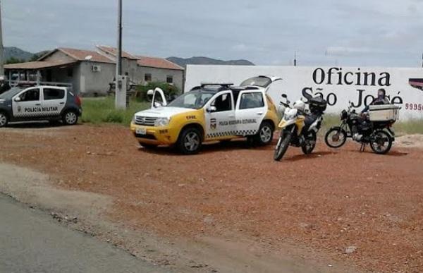 Polícia Rodoviária Estadual apreende veículos na estrada de Acari