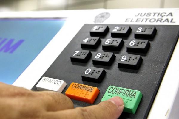 Partidos têm até 2 de maio para entregar prestação de contas