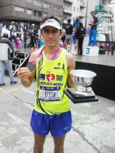 José Daniel conquistou o 6º lugar geral e conseguiu o Troféu de 1º Lugar na faixa de 30-39 anos-42Km.