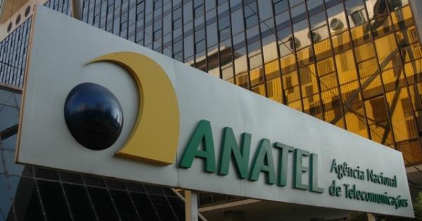 Anatel proíbe redução na velocidade de internet fixa por tempo indeterminado