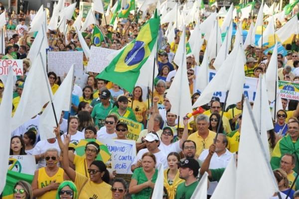 Natalenses voltarão às ruas no dia da votação do impeachment.