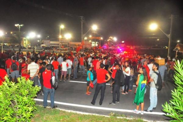 Manifestantes contra impeachment marcam novo ato em Natal (Foto: Wellington Rocha/Portal No Ar)