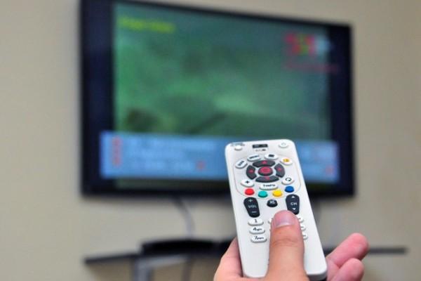 Governo federal pode implantar 'bolsa TV'; veja como