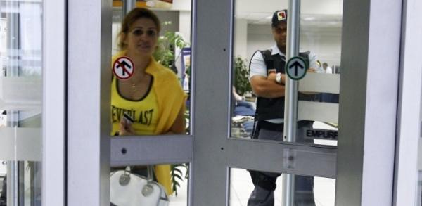 Bancos: seguranças terão curso que prevê treinamento com explosivos