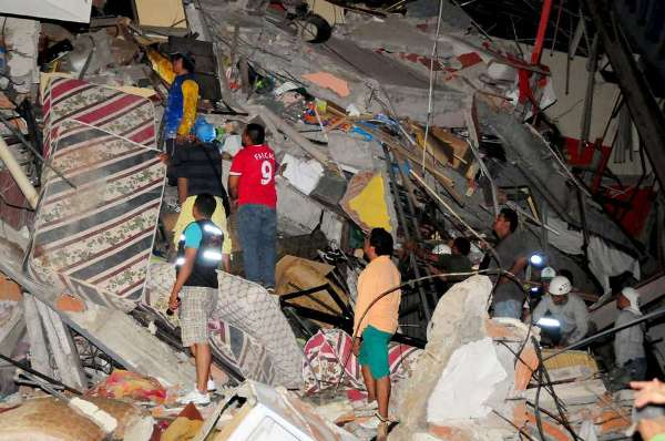 Número de mortes causadas por terremoto no Equador sobe para 238