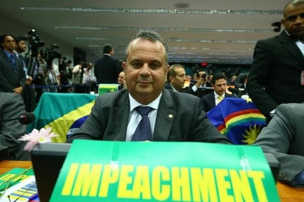 """""""Impeachment está chegando"""", celebra Rogério Marinho após aprovação de relatório"""