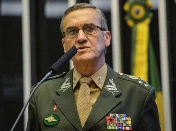 Comandante-geral do Exército refuta possibilidade de intervenção militar
