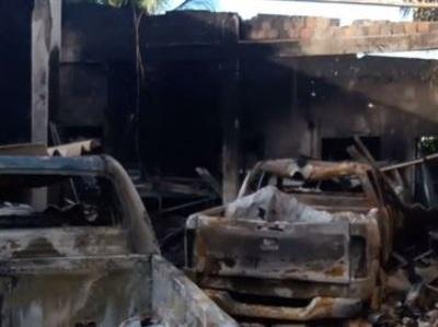 Incêndio destrói veículos que seriam transformados em viaturas da PM da Paraíba