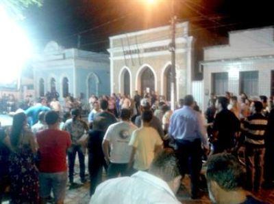 Vereadores paraibanos protestam na Câmara após presidente da Casa mandar fechar portas