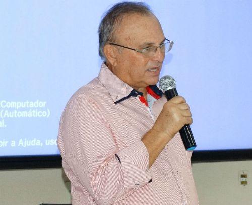 Prefeito pede o apoio do Governador para a federalização do Mariano Coelho