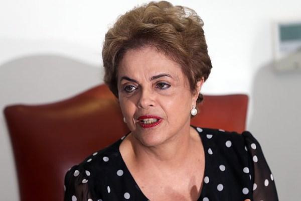 Dilma retorna a Brasília e terá reuniões no Palácio da Alvorada