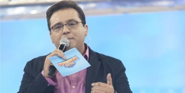 Geraldo Luís volta ao comando do Domingo Show