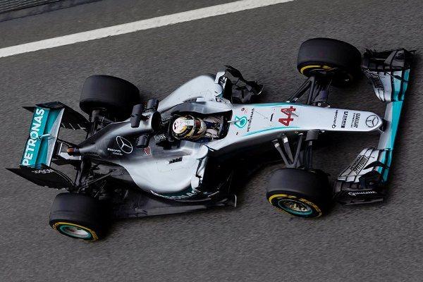 Hamilton bate Rosberg e garante a pole em Barcelona; Massa sairá em 18º