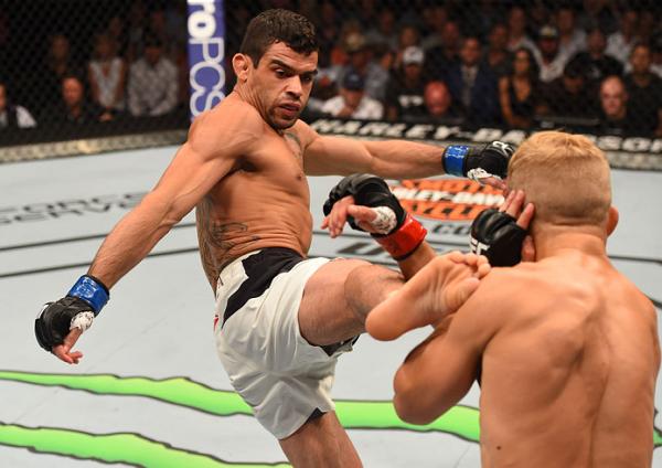 Perto de estrear de peso novo no UFC, potiguar promete agressividade